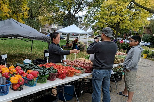 Farmers Market at Walker Square