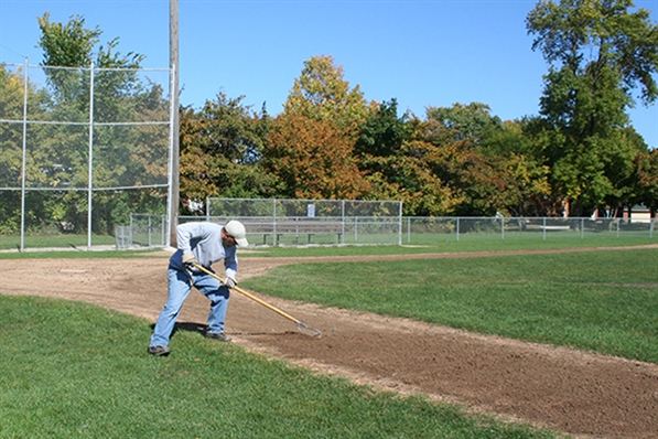 Milwaukee County Parks Employee: Sports Field Crew
